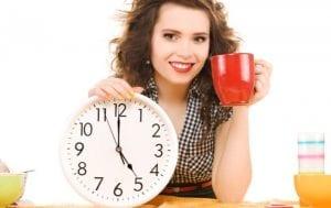 לוח זמנים ושעות אכילה מומלצות למניעת השמנה