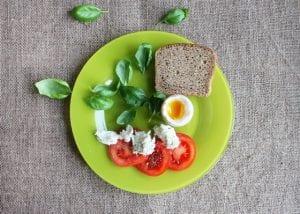 דיאטה עתירת חלבונים – האם היא מסייעת לירידה במשקל?